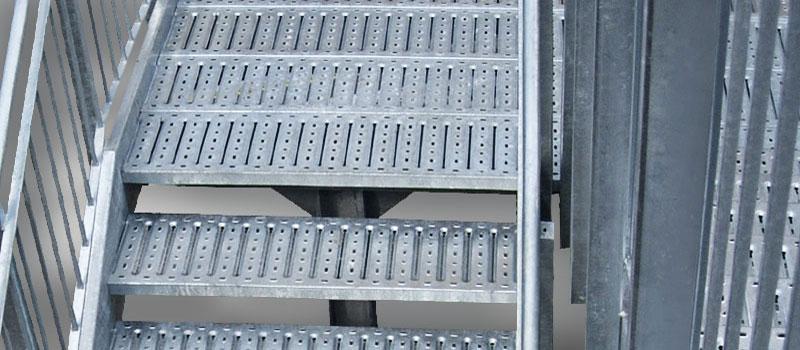 gradini per scale esterne di sicurezza   sara-steel - Pavimento Per Scale Esterne